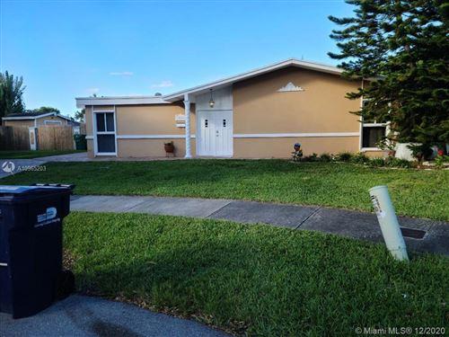 Photo of 18610 SW 94th Ct, Cutler Bay, FL 33157 (MLS # A10965203)