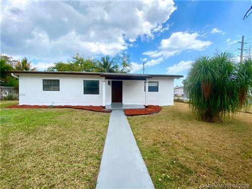 Photo of 15125 Harrison St, Miami, FL 33176 (MLS # A10843204)