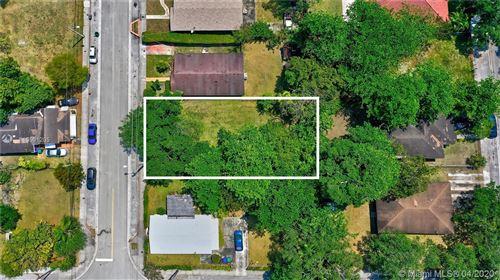 Photo of 3370 Thomas Ave, Miami, FL 33133 (MLS # A10501205)
