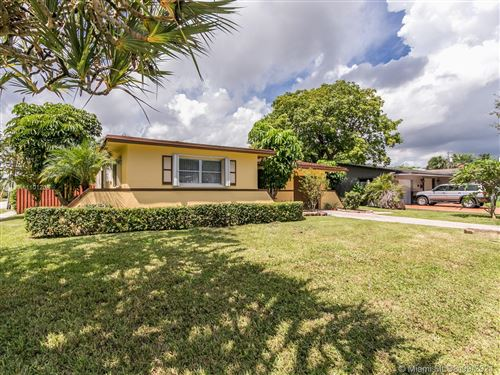 Photo of 700 N 28th Ave, Hollywood, FL 33020 (MLS # A11101208)