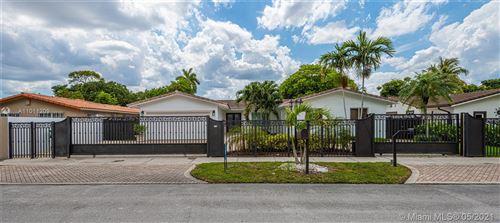Photo of 3114 SW 98th Ct, Miami, FL 33165 (MLS # A11011209)