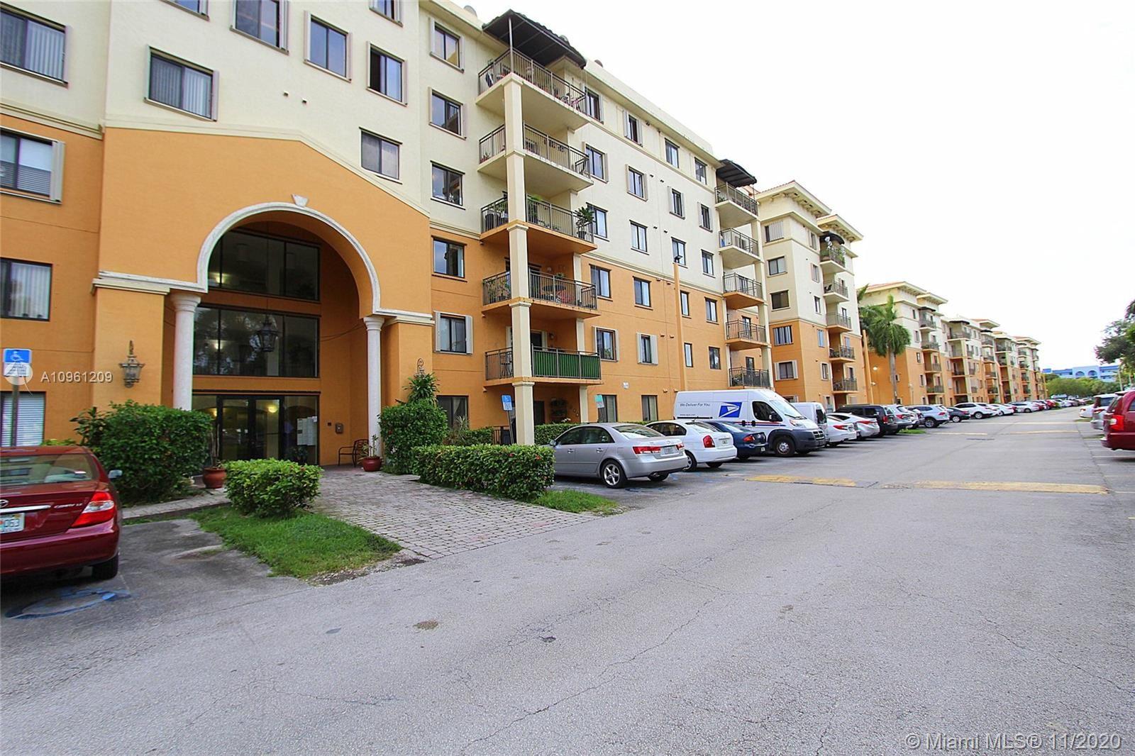 9300 Fontainebleau Blvd #E212, Miami, FL 33172 - #: A10961209