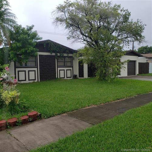 Foto de inmueble con direccion 20520 SW 116th Rd Miami FL 33189 con MLS A10938210