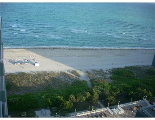 Foto de 5701 Collins Ave #PH09, Miami Beach, FL 33140 (MLS # A10510212)