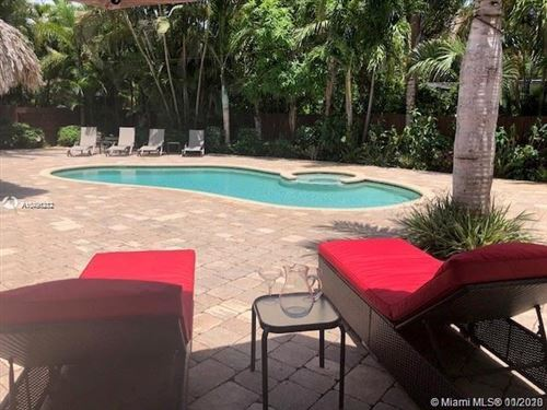 Photo of 421 NE 10th Ave, Fort Lauderdale, FL 33301 (MLS # A10796212)