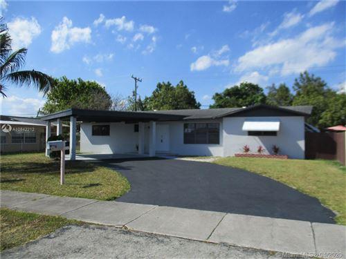 Foto de inmueble con direccion 11501 SW 201st St Miami FL 33189 con MLS A10842212