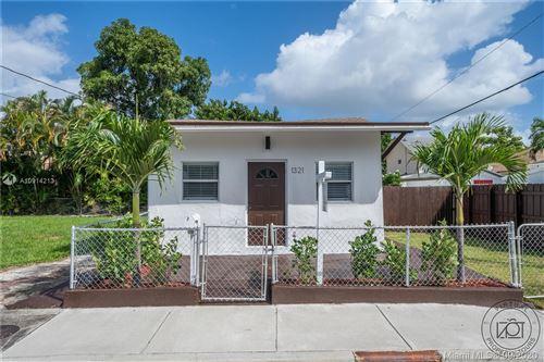Foto de inmueble con direccion 1321 SW 12th St Miami FL 33135 con MLS A10914213