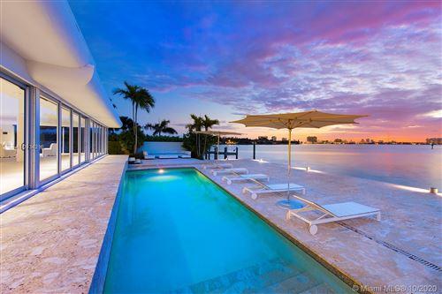 Foto de inmueble con direccion 7936 Biscayne Point Cir Miami Beach FL 33141 con MLS A10934213