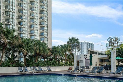 Foto de inmueble con direccion 1717 N Bayshore Dr #A-3146 Miami FL 33132 con MLS A10790214
