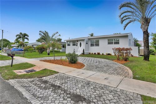 Photo of Listing MLS a10897214 in 21 NW 56th Ct Oakland Park FL 33309