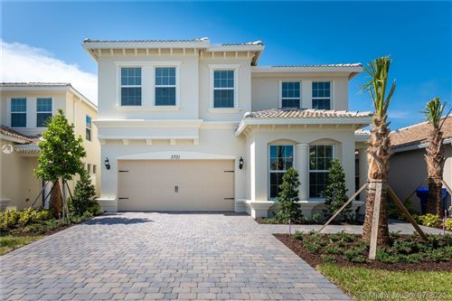 Photo of 3701 Greenway Dr, Hollywood, FL 33021 (MLS # A11077217)
