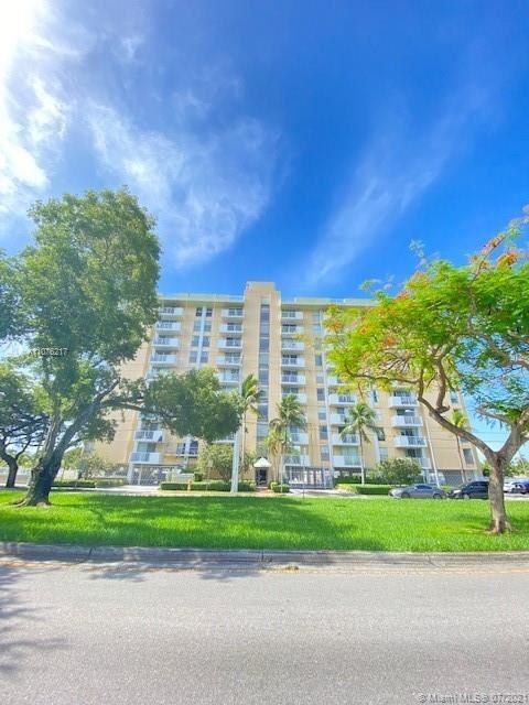 Photo of 2000 NE 135th St #203, North Miami, FL 33181 (MLS # A11076217)