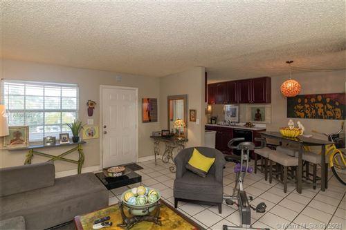 Photo of 900 NE 26th St #15, Wilton Manors, FL 33305 (MLS # A10987221)