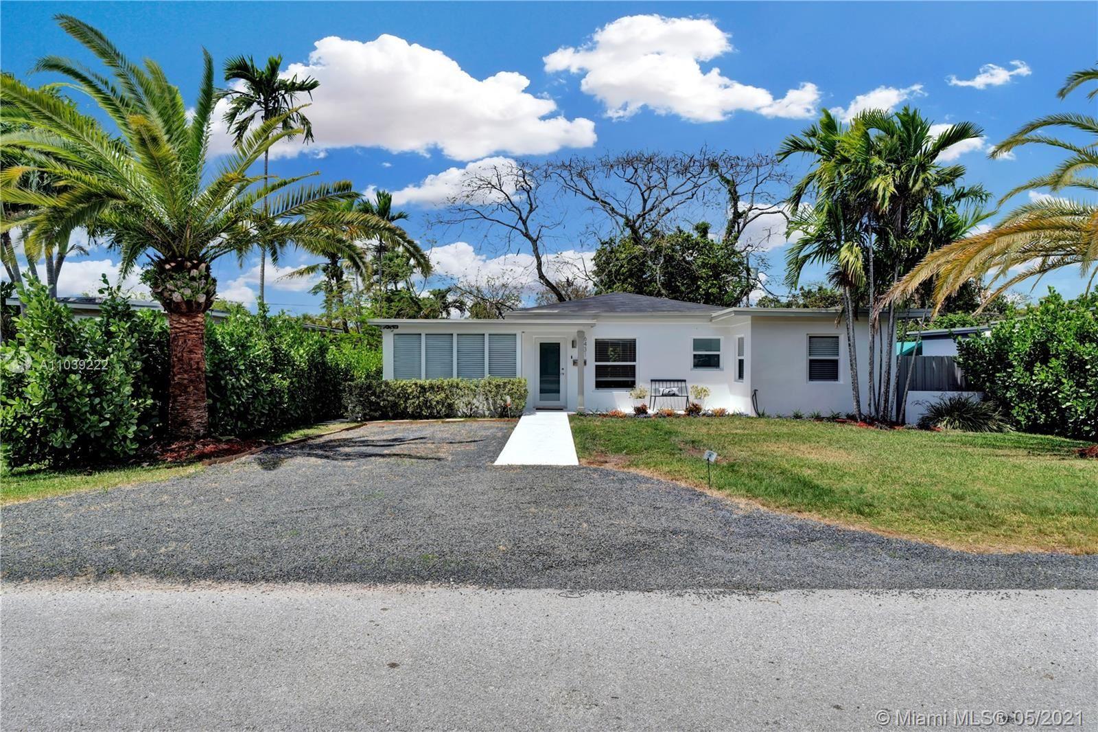 Photo of 6431 SW 43rd St, Miami, FL 33155 (MLS # A11039222)