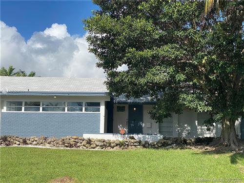 Photo of 18452 SW 88th Pl, Cutler Bay, FL 33157 (MLS # A10904223)