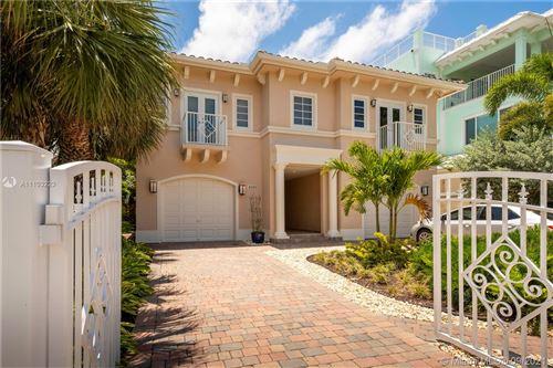 Photo of 4590-4592 N Ocean Dr, Hollywood, FL 33019 (MLS # A11103223)
