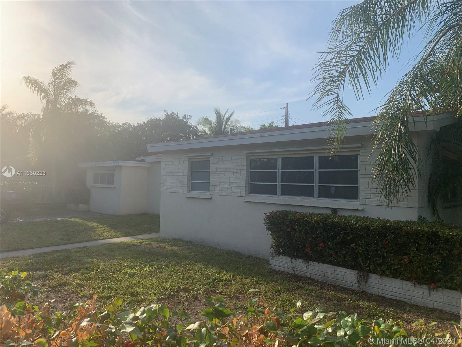2565 NE 207th St, Miami, FL 33180 - #: A11030223