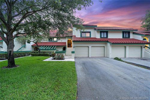 Photo of 3 E Lexington Ln E #G, Palm Beach Gardens, FL 33418 (MLS # A11059224)