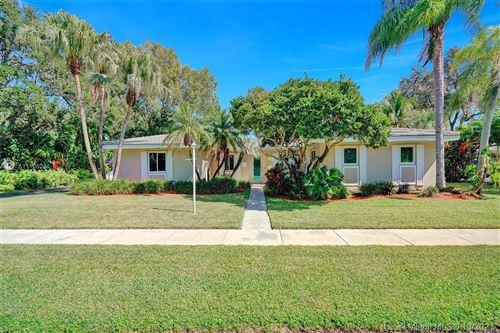 Photo of 16021 SW 86th Ave, Palmetto Bay, FL 33157 (MLS # A11108224)