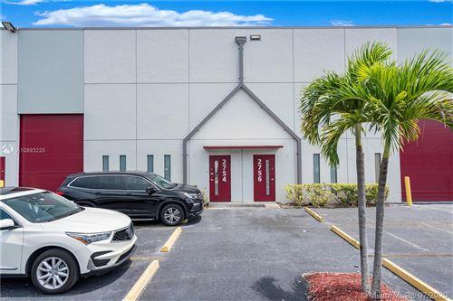 Foto de inmueble con direccion 2756 NW 112th Ave #2756 Doral FL 33172 con MLS A10893225