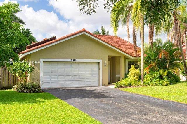 10380 NW 31st St, Coral Springs, FL 33065 - MLS#: A11028225