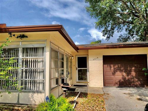 Foto de inmueble con direccion 3619 SW Natura Ave Deerfield Beach FL 33441 con MLS A10850226