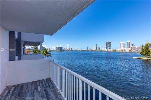 Foto de inmueble con direccion 4000 NE 170th St #404 North Miami Beach FL 33160 con MLS A10938226