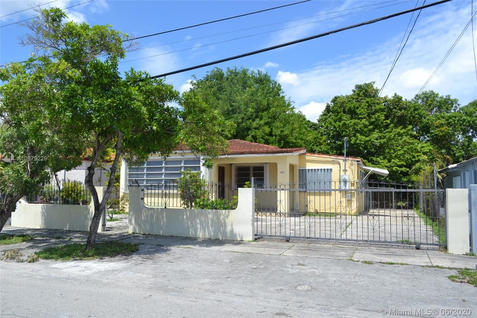 420 NW 44th Ave, Miami, FL 33126 - #: A10879229