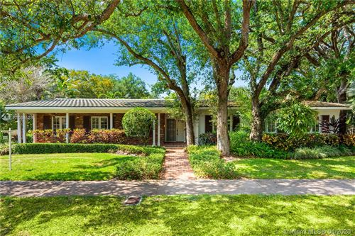 Photo of 945 Alfonso Ave, Coral Gables, FL 33146 (MLS # A10845231)