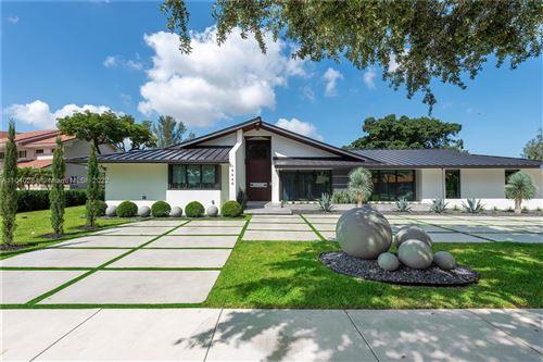 Photo of 15820 W Prestwick Pl, Miami Lakes, FL 33014 (MLS # A11040231)