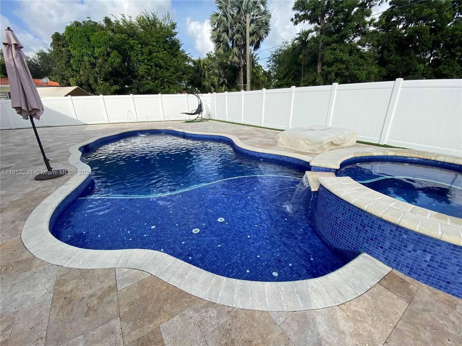 30 Bentley Dr, Miami Springs, FL 33166 - #: A11058231