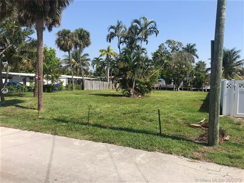 Photo of Listing MLS a10673232 in 5 Sunset Ln Lauderdale By The Sea FL 33062