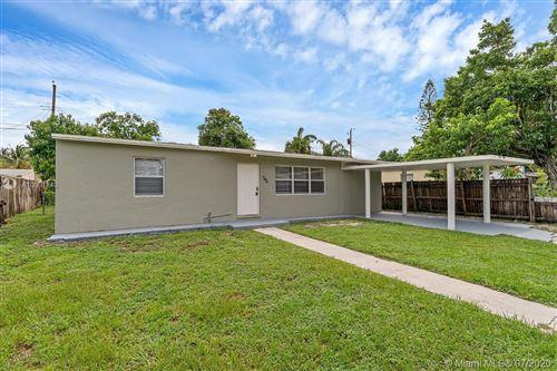 Foto de inmueble con direccion 740 Aspen Rd West Palm Beach FL 33409 con MLS A10901240