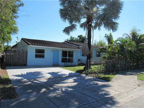 Photo of Listing MLS a10811241 in 2280 SW 43rd Ave Fort Lauderdale FL 33317