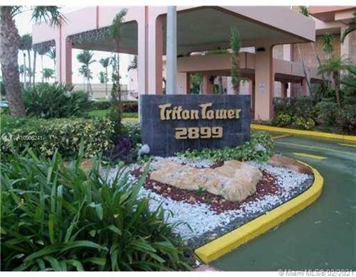 Photo of 2899 Collins Ave #1114, Miami Beach, FL 33140 (MLS # A10906241)