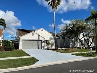 Photo of 23030 Floralwood Ln, Boca Raton, FL 33433 (MLS # A10961241)