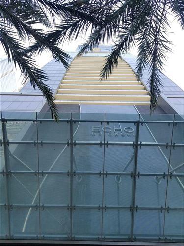 Foto de inmueble con direccion 1451 Brickell Ave #3702 Miami FL 33131 con MLS A10638242