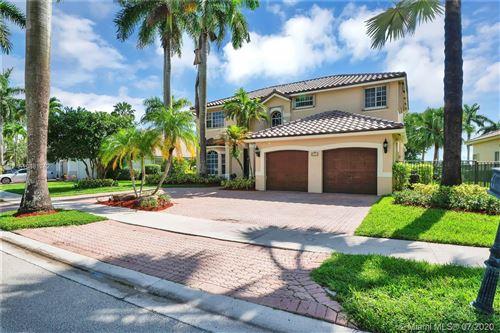 Photo of 2554 Jardin Dr, Weston, FL 33327 (MLS # A10881242)