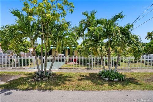 Foto de inmueble con direccion 370 NE 173rd St North Miami Beach FL 33162 con MLS A10895242
