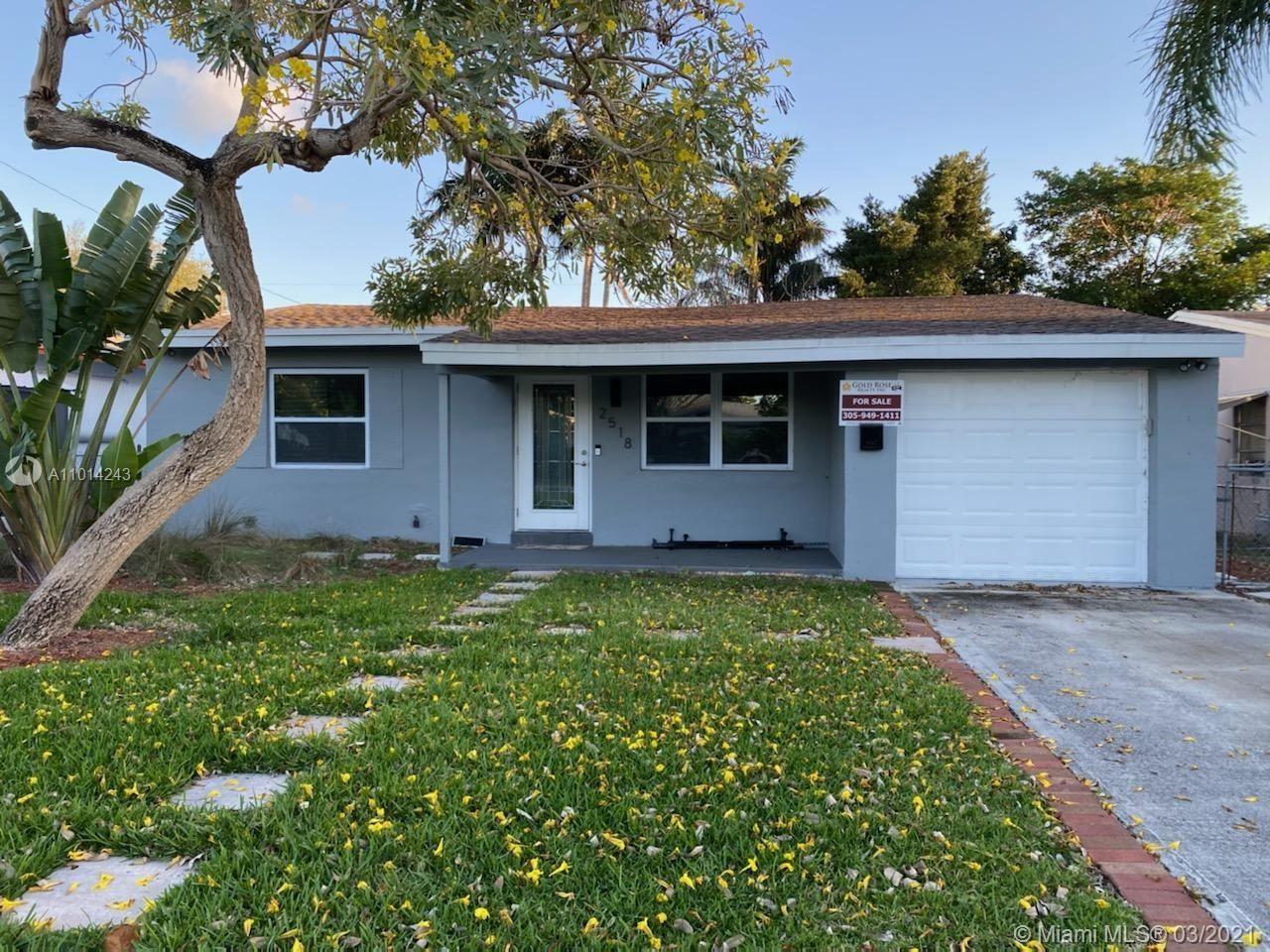 2518 Roosevelt St, Hollywood, FL 33020 - #: A11014243