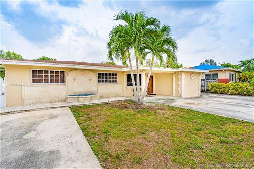 Photo of 160 W 31st St, Hialeah, FL 33012 (MLS # A10842244)