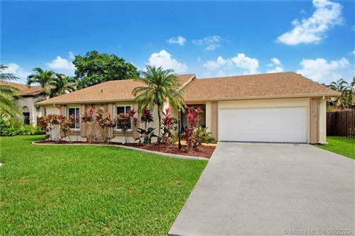 Foto de inmueble con direccion 15574 SW 55th St Miami FL 33185 con MLS A10867245