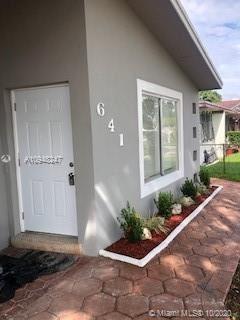 Foto de inmueble con direccion 641 Jann Ave Opa-Locka FL 33054 con MLS A10948247