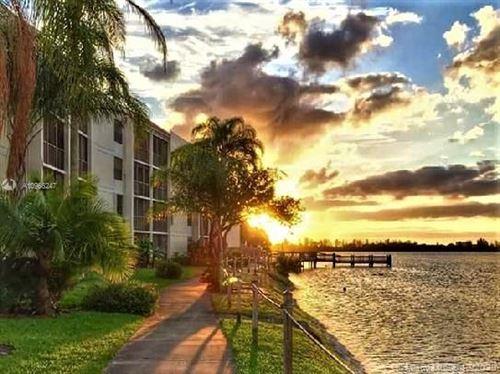 Photo of 118 Lake Emerald Dr #406, Oakland Park, FL 33309 (MLS # A10966247)