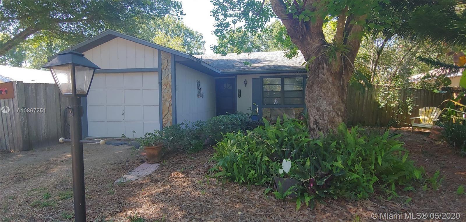 Photo of 2824 SW 6th St SW, Vero Beach, FL 32968 (MLS # A10867251)