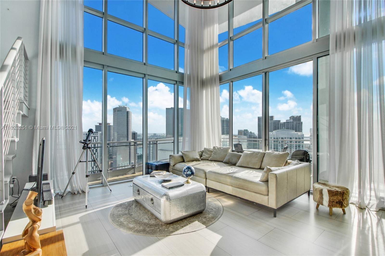 90 SW 3rd St #PH-5, Miami, FL 33130 - #: A11028251
