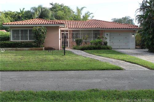 Foto de inmueble con direccion 680 NE 118th St Biscayne Park FL 33161 con MLS A10918253