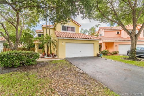 Photo of 10165 NW 3rd Ct, Plantation, FL 33324 (MLS # A11052253)