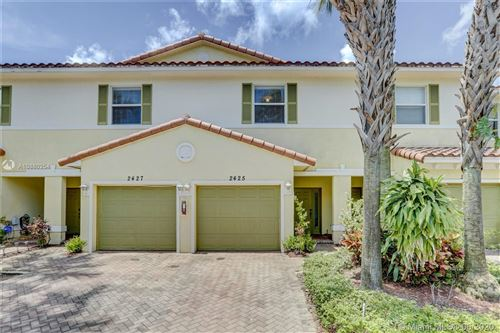 Photo of Listing MLS a10880254 in 2425 NW 31st Ct Oakland Park FL 33309