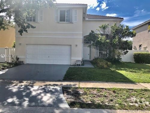 Photo of Listing MLS a10755257 in 360 SW 190th Ave Pembroke Pines FL 33029
